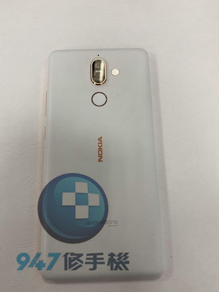 NOKIA 7+手機維修_面板更換_電池更換01