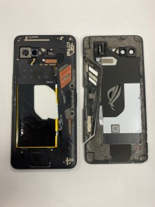 ASUS ROG PHONE打遊戲時手滑掉到地上,螢幕立刻就黑了一塊!ASUS手機維修