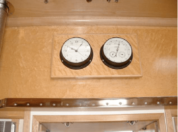 Clock & barometer