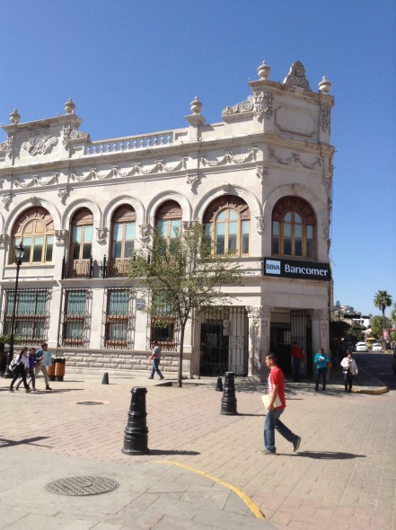 Building around the plaza