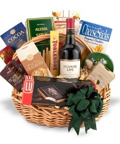 Traditional Gourmet Wine Gift Basket