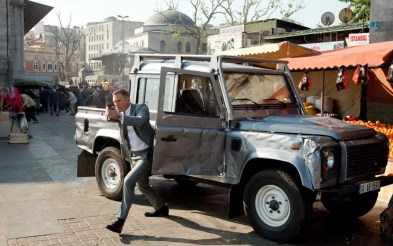 land-rover-defender-skyfall-james-bond