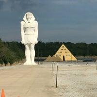 Gold Pyramid House 7