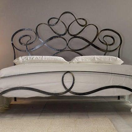 Un letto romantico e shabby per la vostra camera,. Photos At Chiapello Letti In Ferro Battuto E Materassi Furniture Home Store In Valdocco