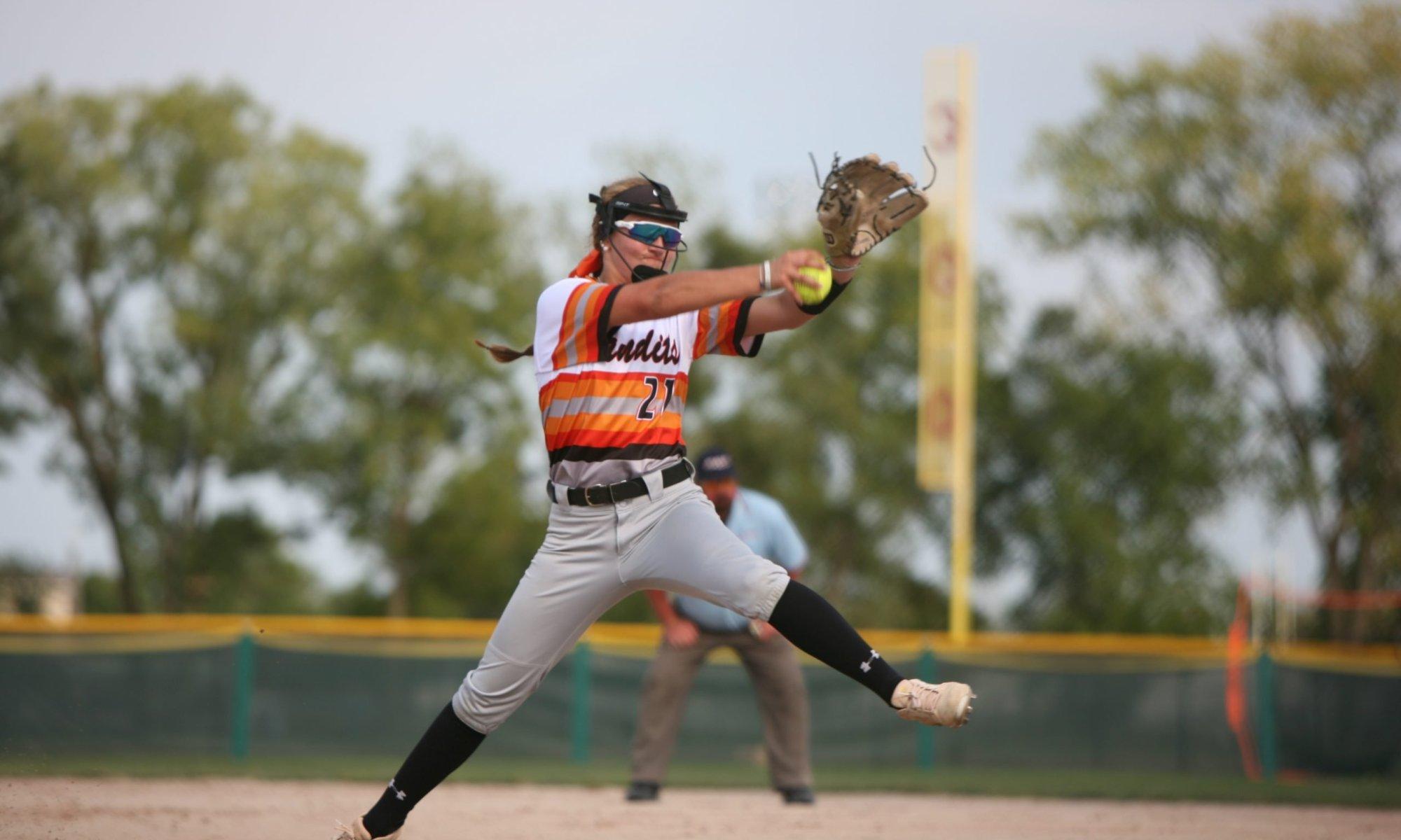Thomas Ryleigh pitching Beverly Bandits Demarini Yates