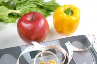 体重計とリンゴとメジャー