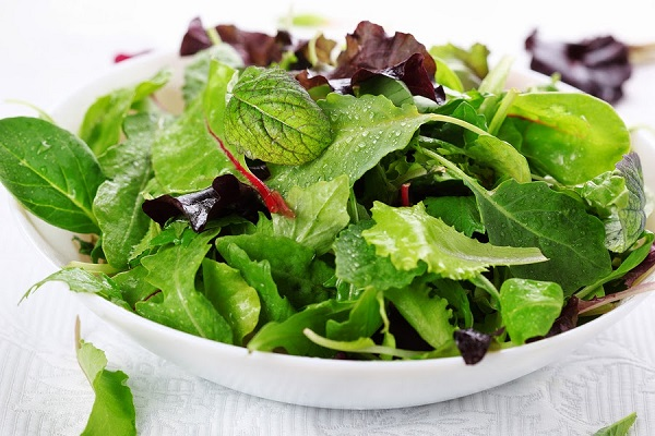 Salad Spinach and Cabbage Keep The Brain Young