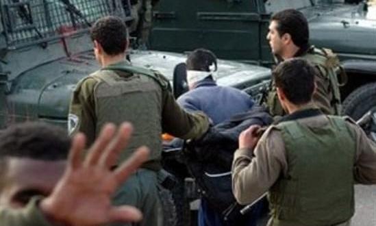 قوات الاحتلال تعتقل مواطنا من مخيم طولكرم