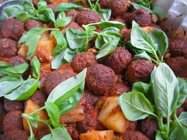 https://i1.wp.com/fatgayvegan.com/wp-content/uploads/2011/07/italian-meatballs.jpg?fit=640%2C480