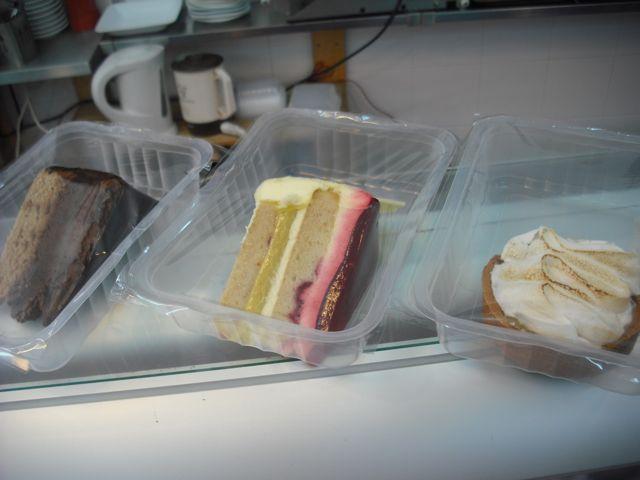 https://i1.wp.com/fatgayvegan.com/wp-content/uploads/2011/08/cakes-to-go.jpg?fit=640%2C480&ssl=1