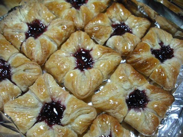 https://i1.wp.com/fatgayvegan.com/wp-content/uploads/2012/02/pastries.jpg?fit=640%2C480