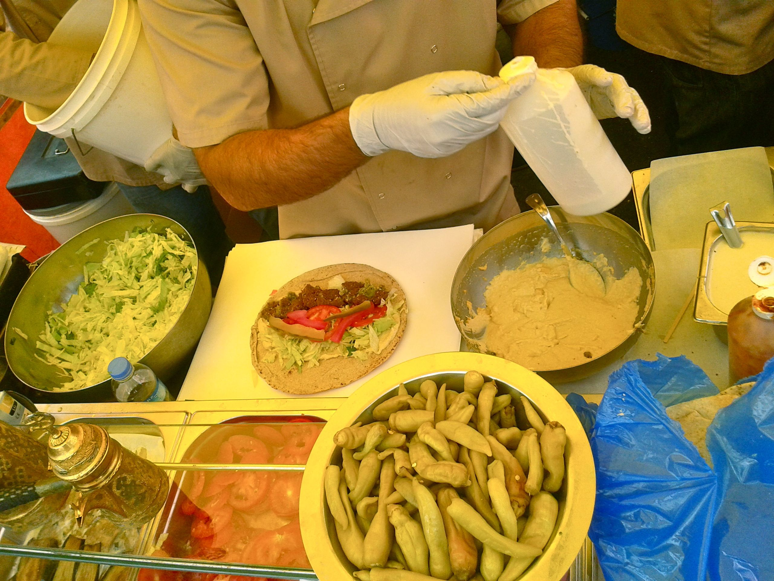 https://i1.wp.com/fatgayvegan.com/wp-content/uploads/2013/08/falafel-making.jpg?fit=2560%2C1920
