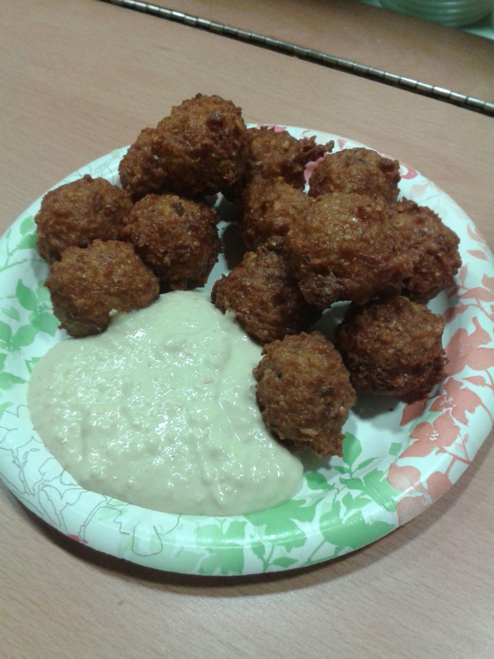 https://i1.wp.com/fatgayvegan.com/wp-content/uploads/2014/02/falafel-plate.jpg?fit=960%2C1280