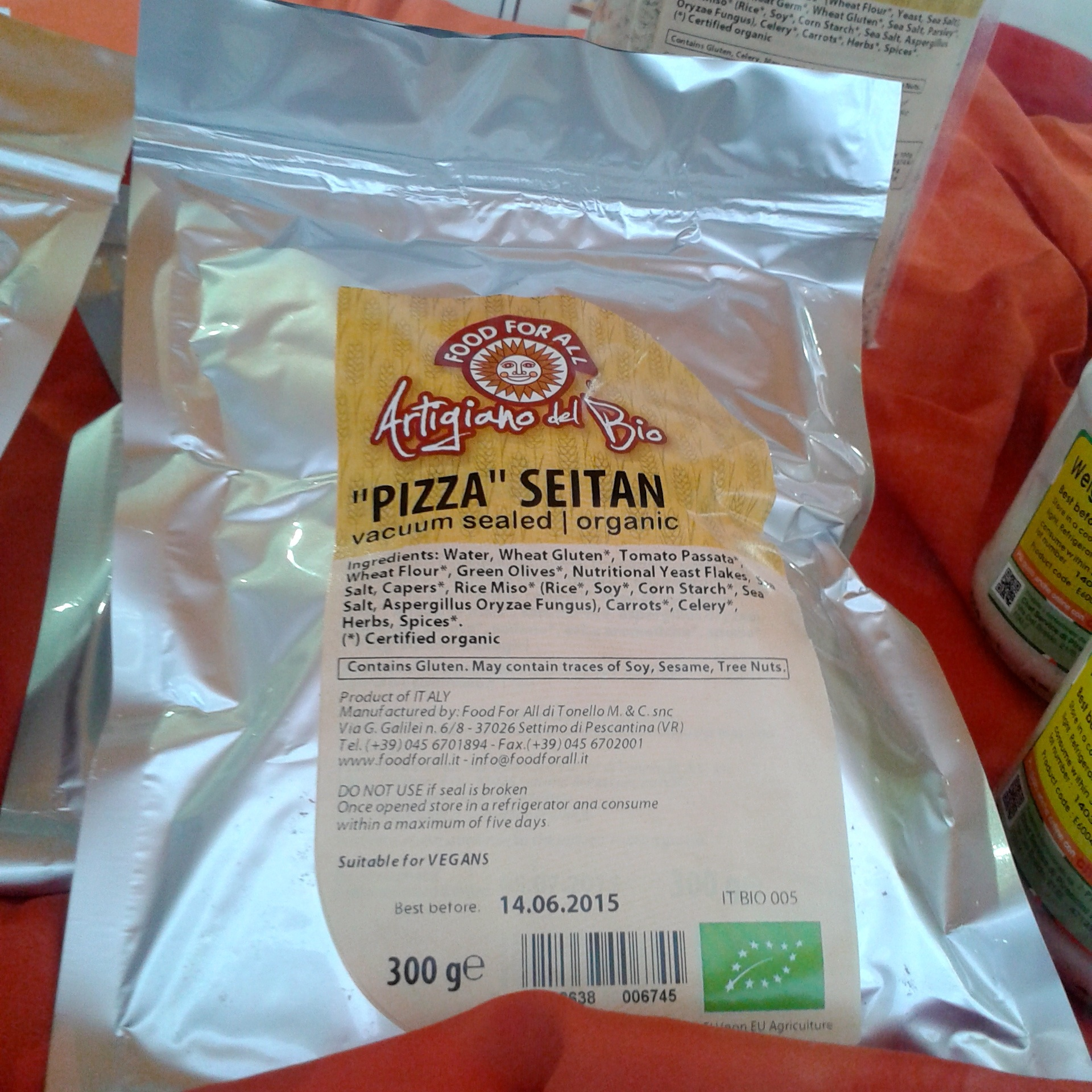 https://i1.wp.com/fatgayvegan.com/wp-content/uploads/2014/04/pizza-seitan.jpg?fit=1920%2C1920