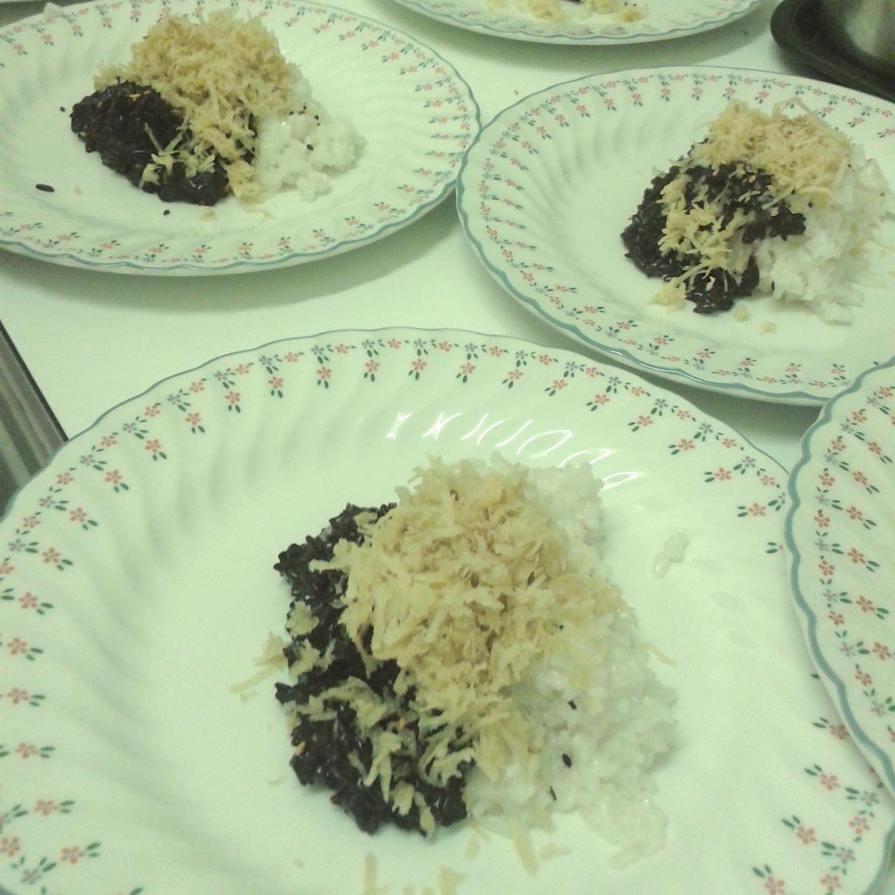 https://i1.wp.com/fatgayvegan.com/wp-content/uploads/2014/04/sticky-rice.jpg?fit=1280%2C1280
