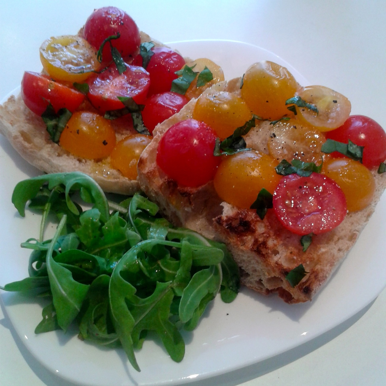 https://i1.wp.com/fatgayvegan.com/wp-content/uploads/2014/07/bruschetta.jpg?fit=1280%2C1280