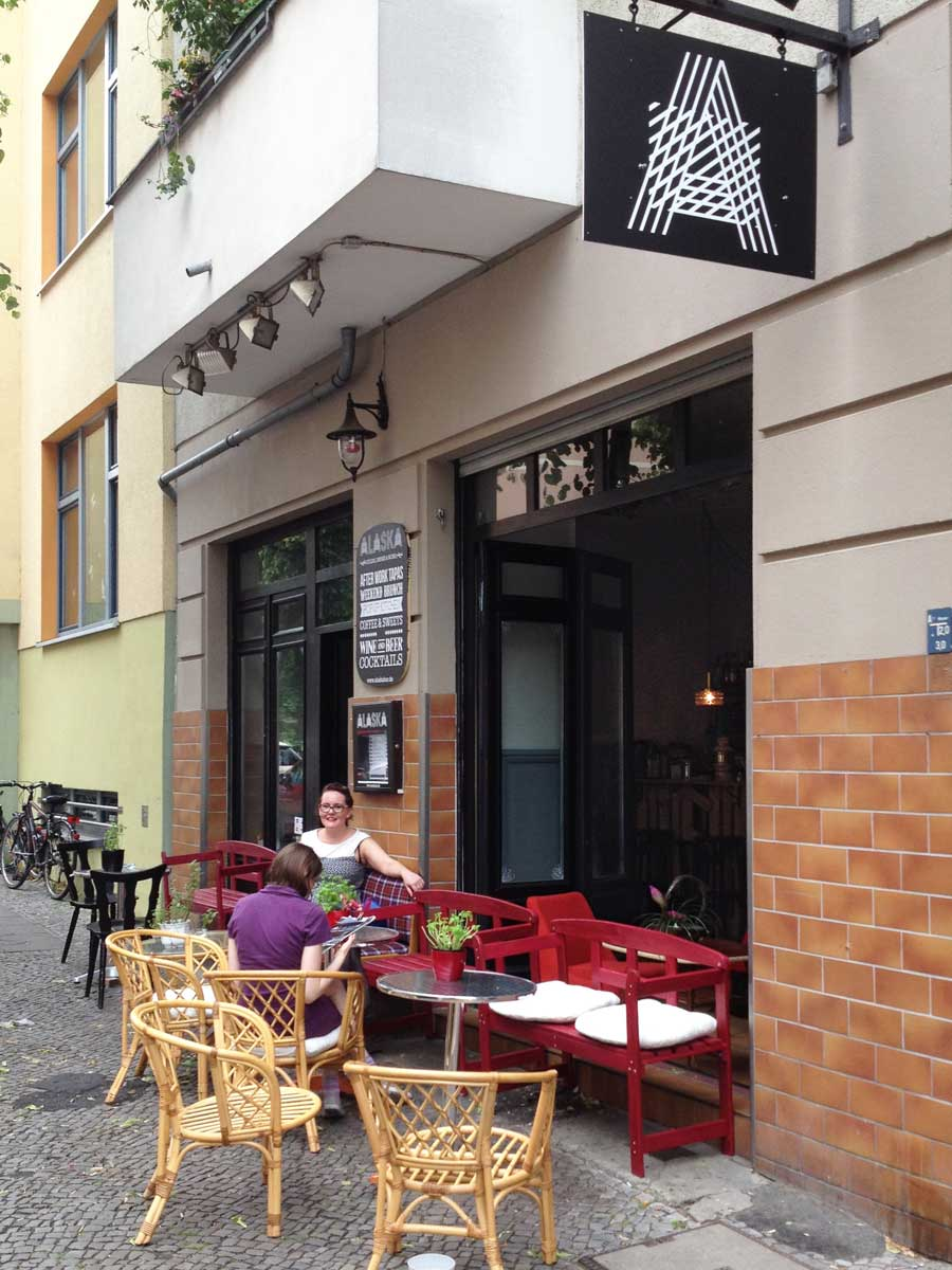 https://i1.wp.com/fatgayvegan.com/wp-content/uploads/2015/06/Alaska-Bar-Berlin-view-from-street.jpg?fit=900%2C1200