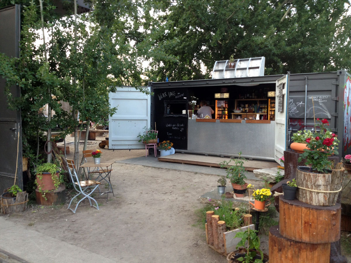 https://i1.wp.com/fatgayvegan.com/wp-content/uploads/2015/06/Wilder-Hase-vegan-beergarden-Berlin-2.jpg?fit=1200%2C900