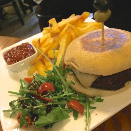 Burger and chips vegan