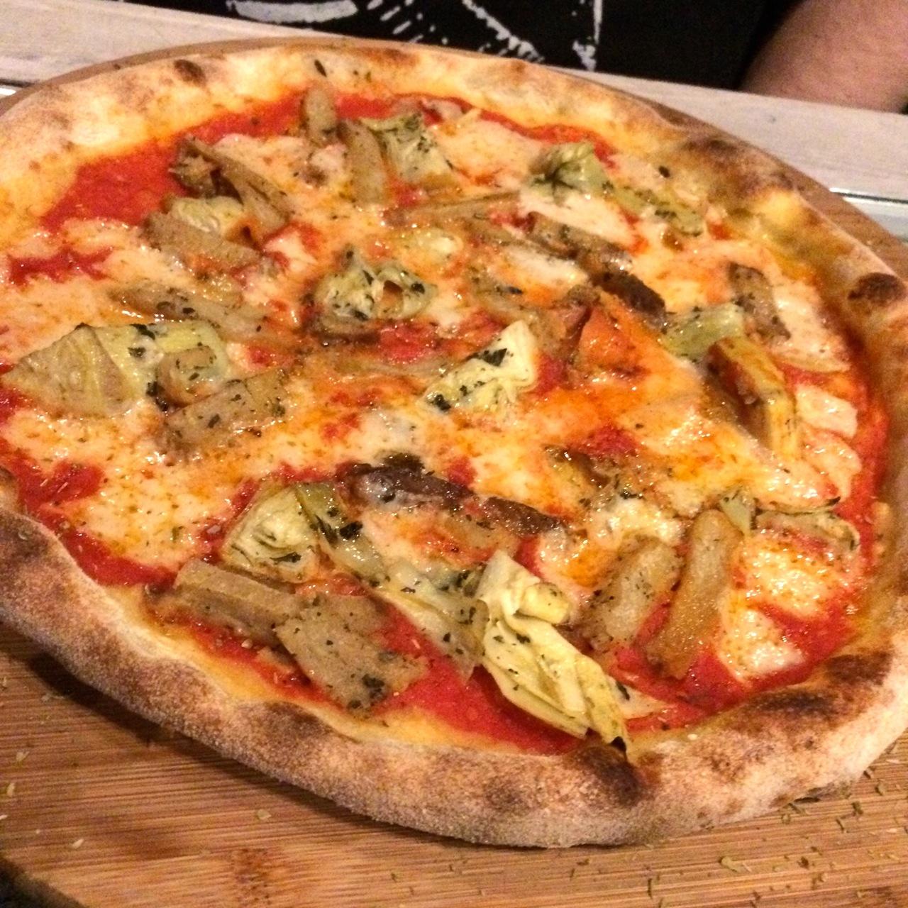 https://i1.wp.com/fatgayvegan.com/wp-content/uploads/2015/11/vegan-pizza.jpg?fit=1280%2C1280