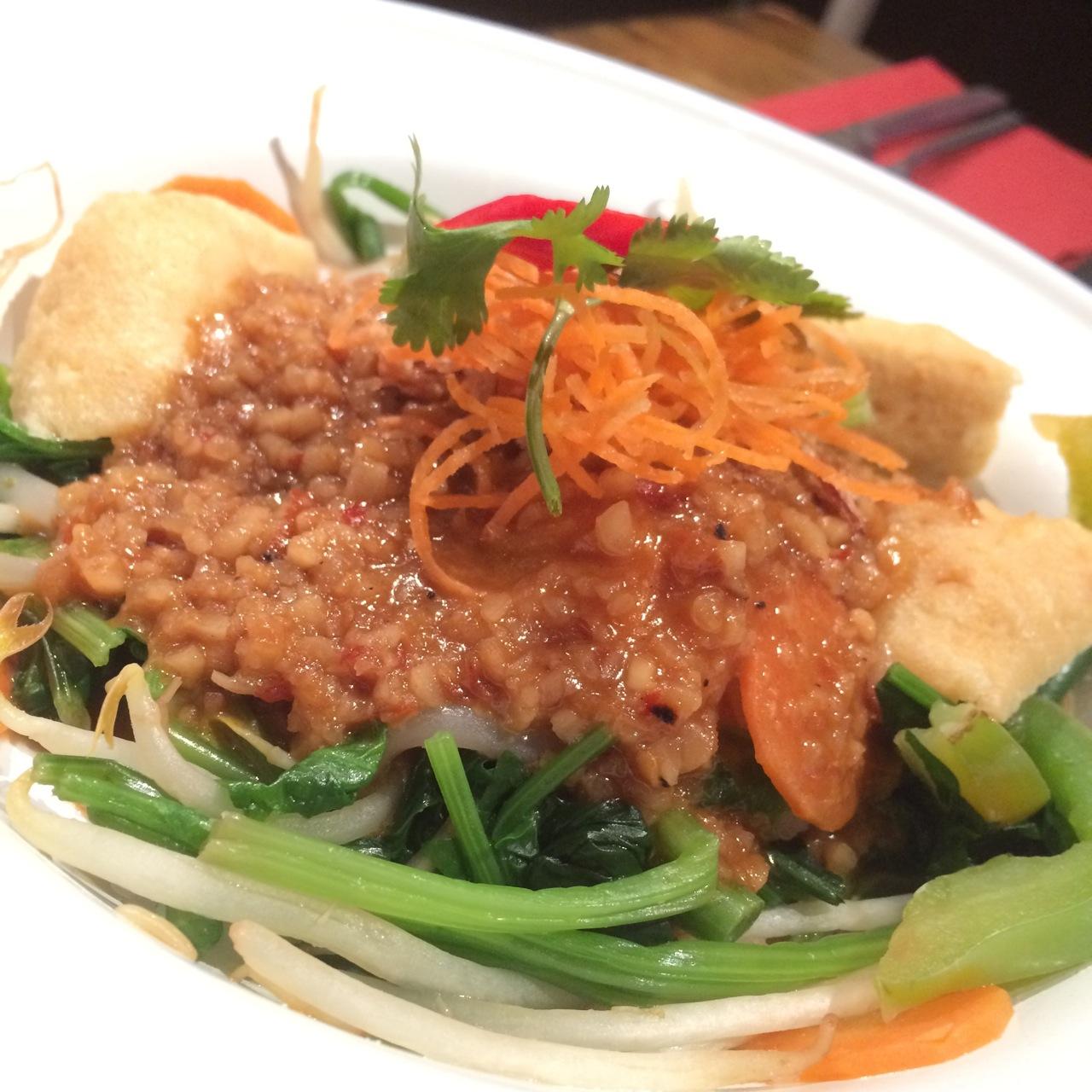 https://i1.wp.com/fatgayvegan.com/wp-content/uploads/2015/12/Ning-vegan-salad.jpg?fit=1280%2C1280&ssl=1