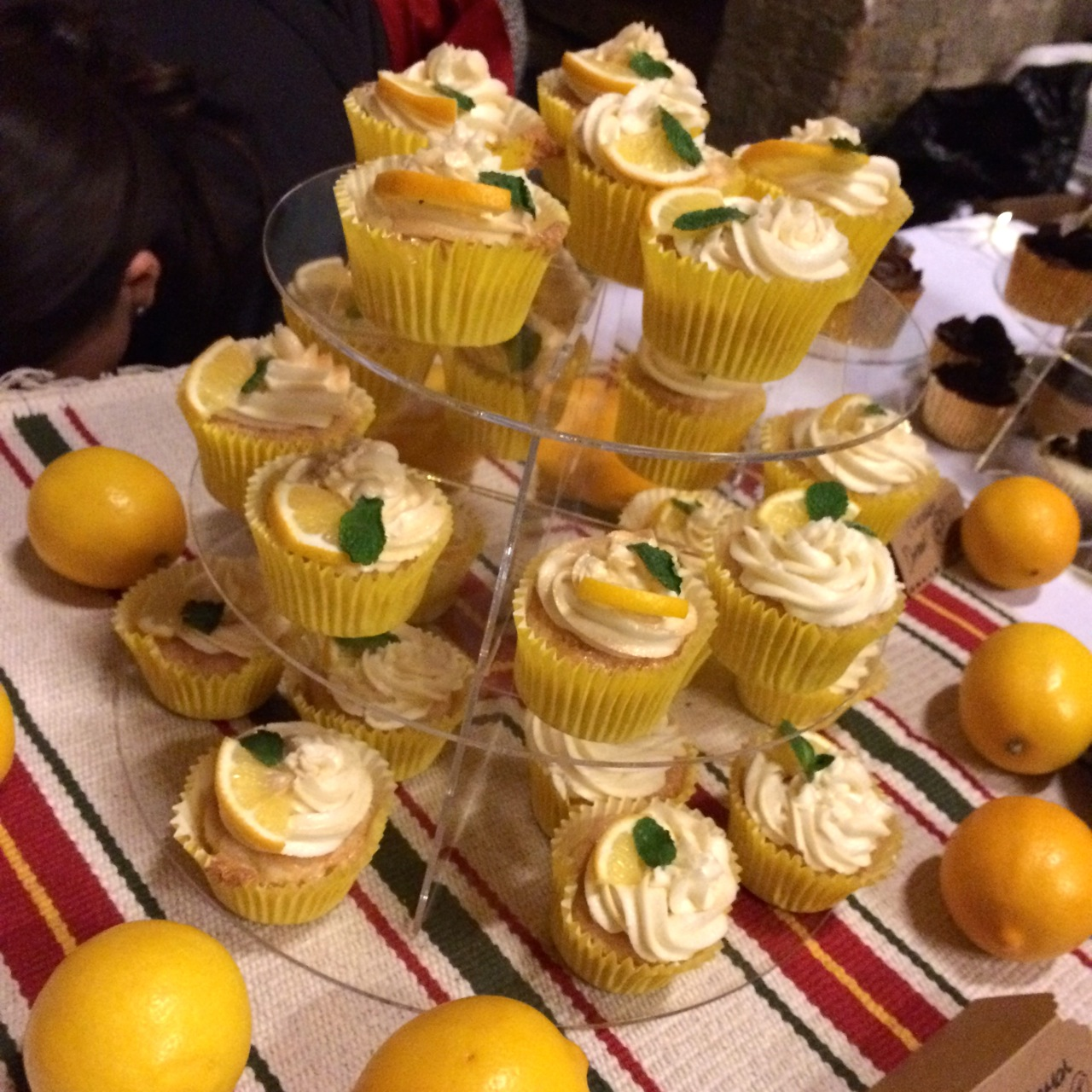 https://i1.wp.com/fatgayvegan.com/wp-content/uploads/2016/01/lemon-cupcakes.jpg?fit=1280%2C1280