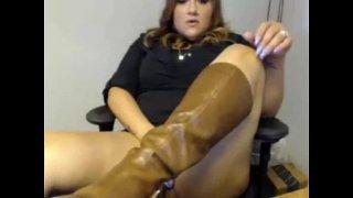BBW Latina Playing At Work – CamzHQ.com
