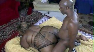 Black stud licking chubby slut pussy before banging her hard