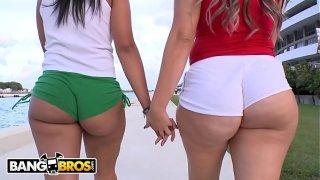 BANGBROS – Kim Manhattan & Duvy Show Off Their Big Asses In Public