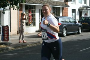 Tamsyn giving a thumbs up during Overton 5 mile race