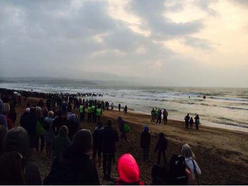 People starting the sea swim.