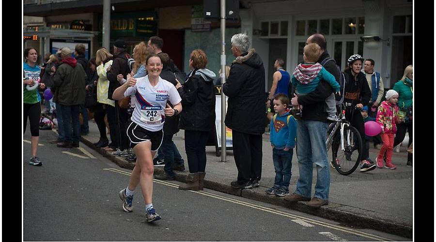 Tamsyn giving a thumbs up at Southampton half marathon