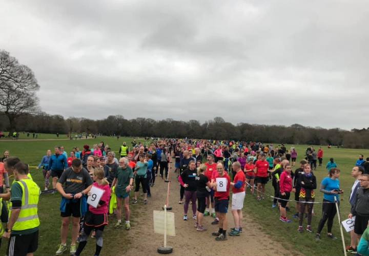 Multiple queues of people in the funnel at Southampton parkrun