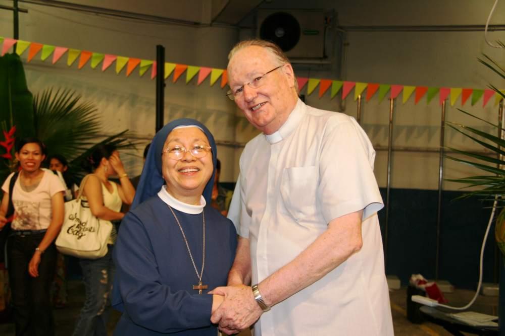 Fr Hanly & Sister-min