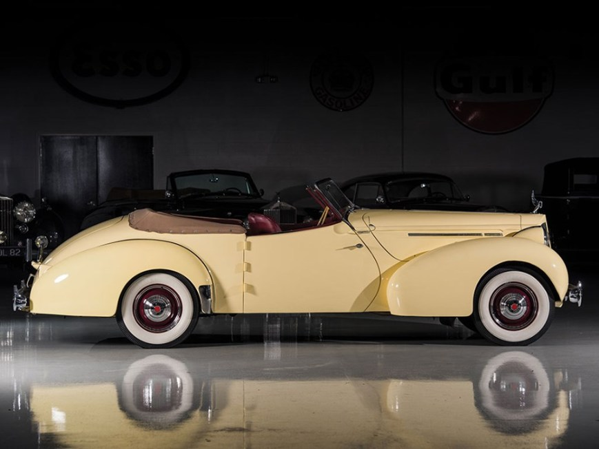 1939 Packard One Twenty Convertible Victoria by Darrin-3