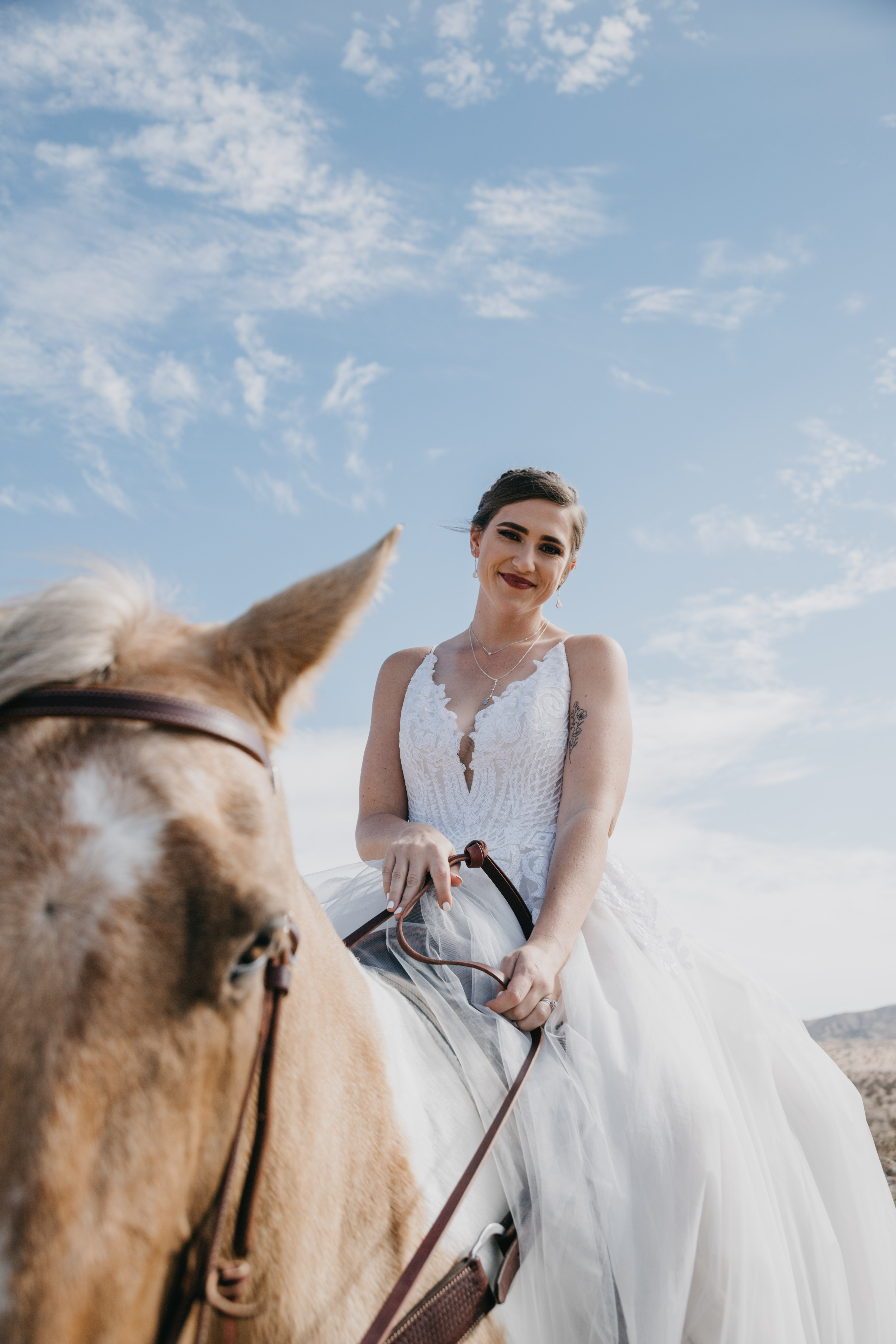 Bride portrait with horse, image by Fatima Elreda Photo