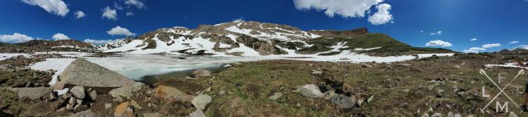 Panoramic pictures of the top of the Herman Gulch lake and mountains.