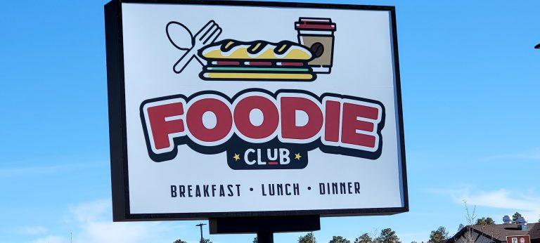 The Foodie Club looks like something with art from an Archie and Jughead comic book.