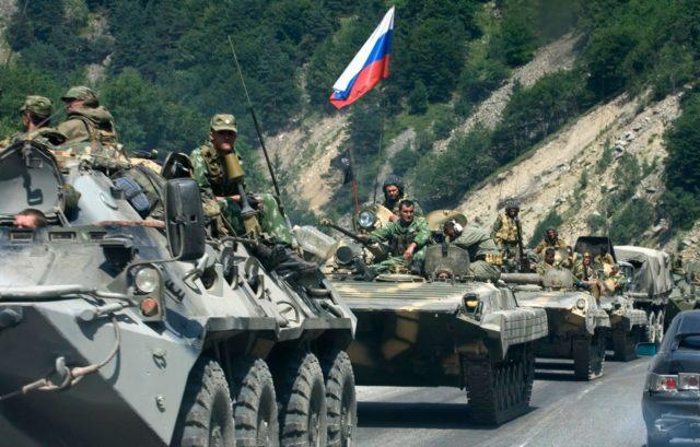 Comboio de blindados Russo durante a Guerra da Georgia - Fatos Militares