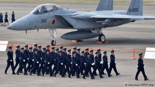 Um caça F 18 da Força Aérea de Autodefesa do Japão - Fatos Militares