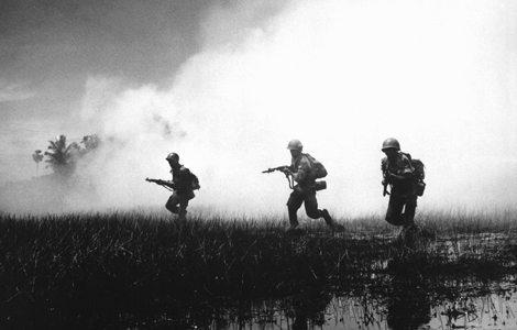 Uma bela foto dos fuzileiros atacando