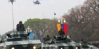 Blindados venezuelanos durante uma parada militar