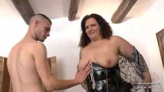 Casting couch of an amateur BBW french mom hard analyzed and fist fucke in 3way