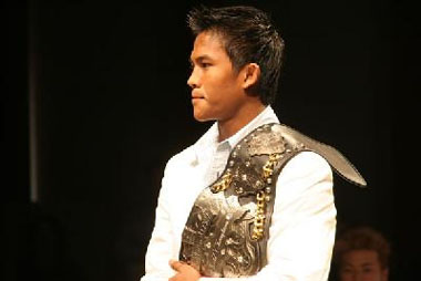 Buakaw with K-1 MAX belt