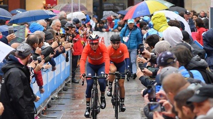 Giro d'Italia sotto la pioggia: maltempo per la tappa Frascati-Terracina