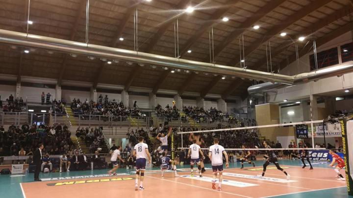 Il palazzetto dello sport di Cisterna che ora sogna il basket