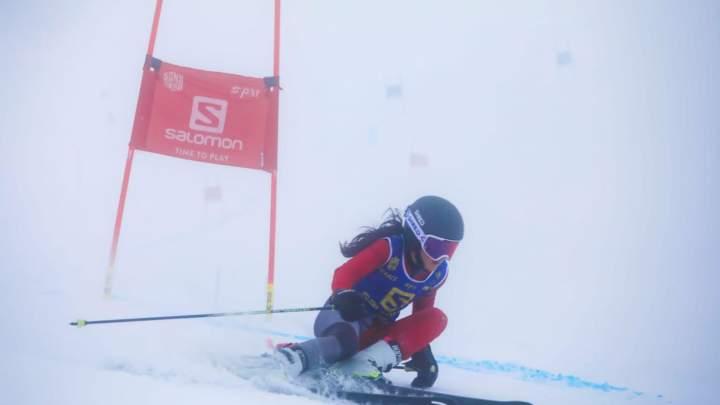 Giulia Valleriani, la più brava sugli sci a 16 anni