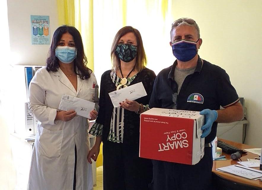 Cisterna solidale, il comune dona 300 mascherine per i malati gravi