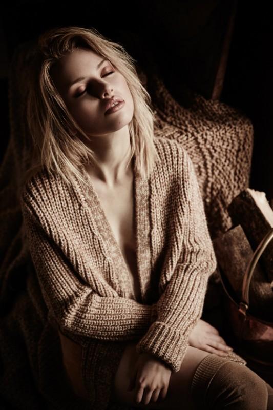 Knitted cardigan: Claudie Pierlot Knee high socks: Gipsy