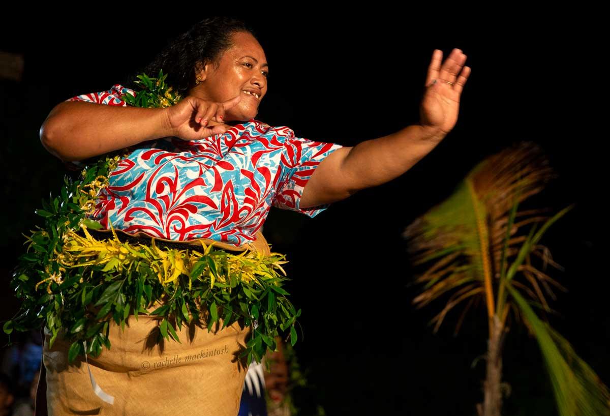 traditional dance haapai tonga pacific islands